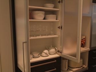 食器棚 奥行き 30cm 丁度いい.JPG